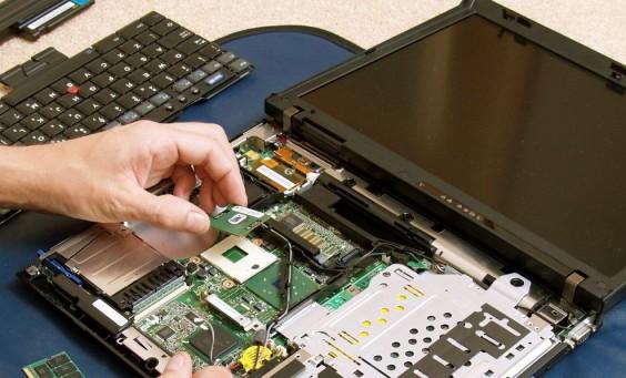 Quand faire appel à un dépanneur informatique ?